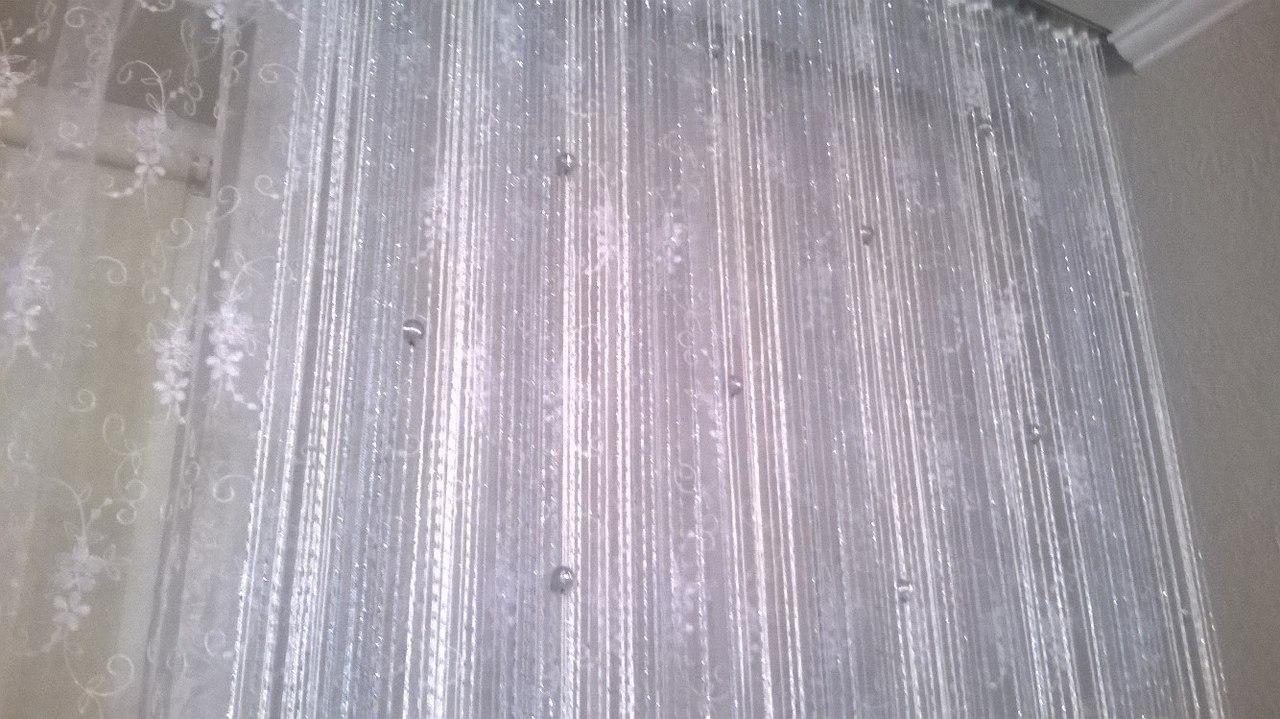 Кисея Дождь радуга с шарами col 1+7 в интерьере