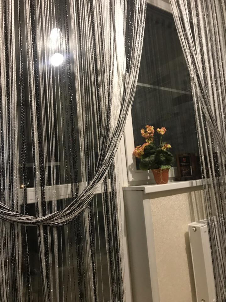 что нитяные шторы на потолочном карнизе фото такой смешной веселой